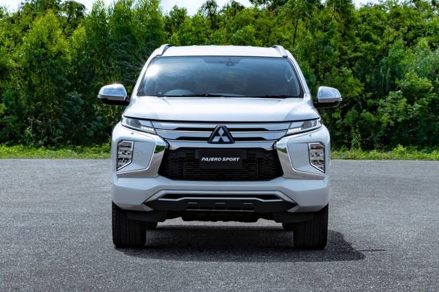 Mitsubishi Pajero Sport phiên bản mới 2020 - Chỉ thay đổi hình thức - 15