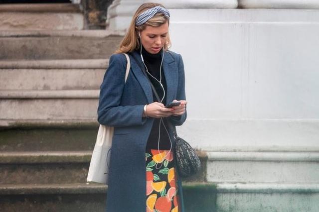 Bạn gái kém 24 tuổi của tân Thủ tướng Anh gây chú ý - 8