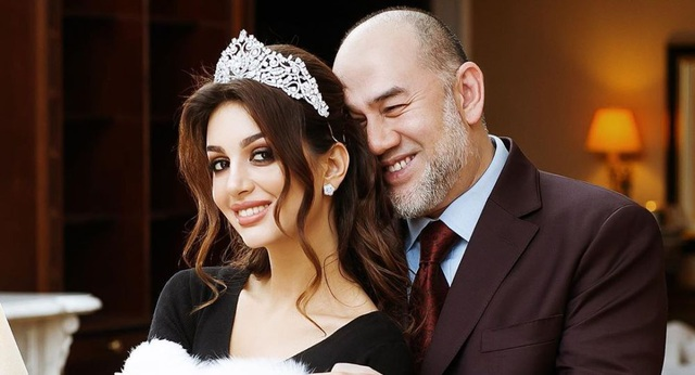 Cựu hoa hậu Nga sẵn sàng cho con trai thử ADN với cựu vương Malaysia - 1