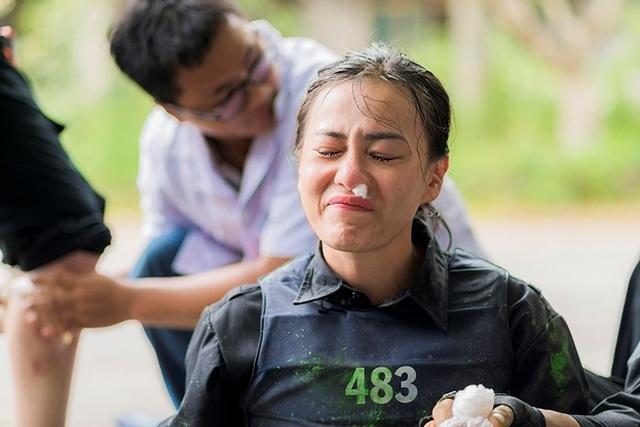"""""""Quỳnh Búp bê"""" Phương Oanh ngại cảnh nóng  - 2"""