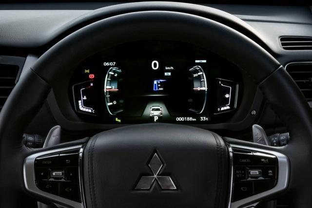 Mitsubishi Pajero Sport phiên bản mới 2020 - Chỉ thay đổi hình thức - 24