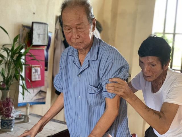 Nghẹn đắng cảnh ông bệnh tim chống gậy chăm bà ung thư - 7