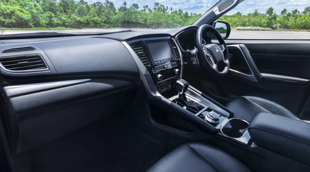 Mitsubishi Pajero Sport phiên bản mới 2020 - Chỉ thay đổi hình thức - 26