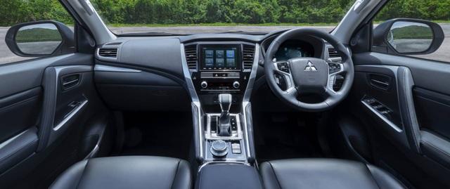 Mitsubishi Pajero Sport phiên bản mới 2020 - Chỉ thay đổi hình thức - 23