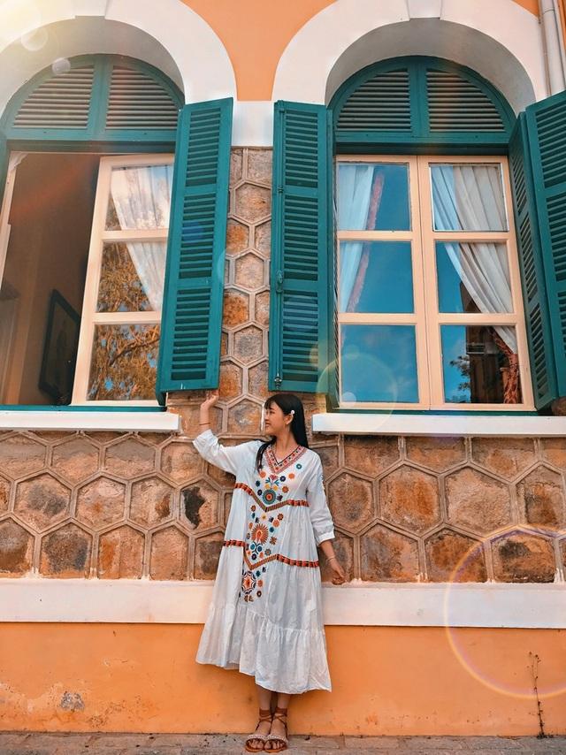 Á khôi sinh viên Việt Nam vừa xinh đẹp vừa học giỏi Văn - 4