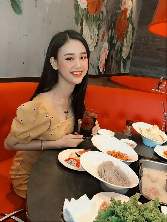 Á khôi sinh viên Việt Nam vừa xinh đẹp vừa học giỏi Văn - 8