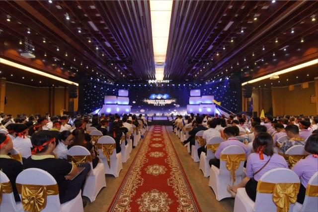 """Gần 1000 """"thủy thủ"""" hừng hực khí thế ra khơi tại chuỗi sự kiện kick-off Chinh phục miền đất hứa FLC Quảng Ngãi - 1"""