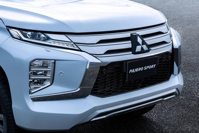 Mitsubishi Pajero Sport phiên bản mới 2020 - Chỉ thay đổi hình thức - 16