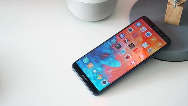 Huawei đưa smartphone về đúng giá trị thực cho người Việt - 1