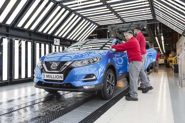 Chấn động thông tin Nissan cắt giảm hơn 10.000 nhân công - 1