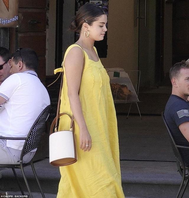 Tăng cân nhưng Selene Gomez vẫn được khen xinh đẹp! - 5