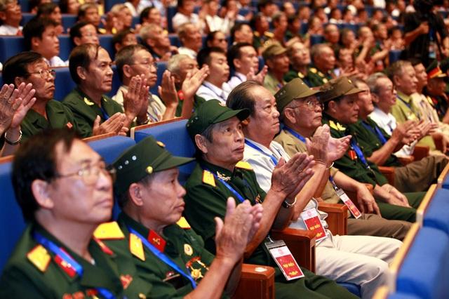 Bộ trưởng Đào Ngọc Dung: Với họ, nỗi đau chiến tranh dường như vẫn còn đó... - 4