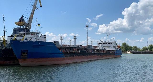 Ukraine thả các thủy thủ tàu dầu Nga - 1
