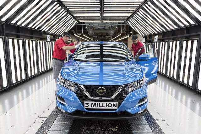 Nissan tuyên bố sẽ cắt giảm nhân công trên toàn thế giới