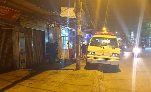 Hai bé trai chết ngạt trong phòng bốc cháy - 2