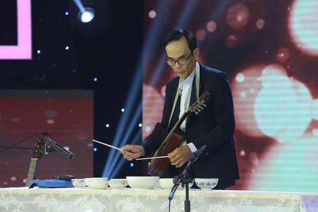 """Nghệ sĩ 62 tuổi chơi đàn chén """"Độ ta không độ nàng"""" khiến Kim Tử Long nể phục - 3"""