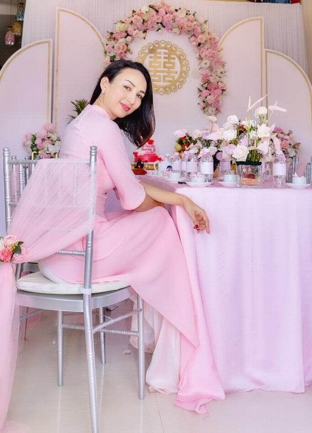 Em gái tài giỏi, xinh đẹp của Hoa hậu Ngọc Diễm kết hôn ở tuổi 23 - 12