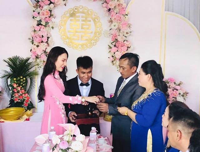 Em gái tài giỏi, xinh đẹp của Hoa hậu Ngọc Diễm kết hôn ở tuổi 23 - 9