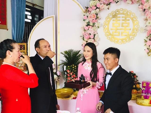 Em gái tài giỏi, xinh đẹp của Hoa hậu Ngọc Diễm kết hôn ở tuổi 23 - 10