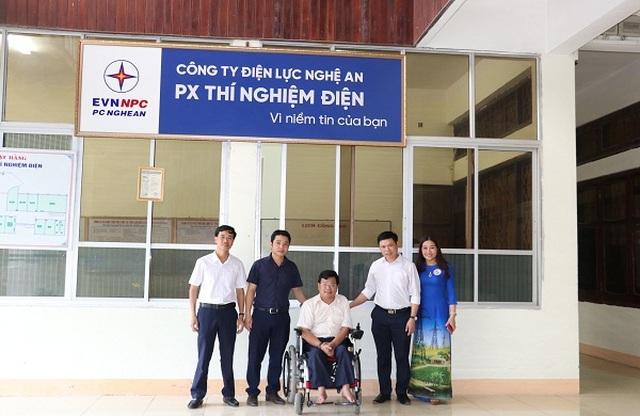 Người công nhân khuyết tật Vũ Thanh Hồng - tấm gương vượt lên số phận - 6