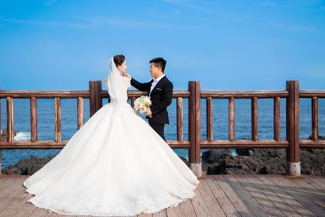 Em gái tài giỏi, xinh đẹp của Hoa hậu Ngọc Diễm kết hôn ở tuổi 23 - 4