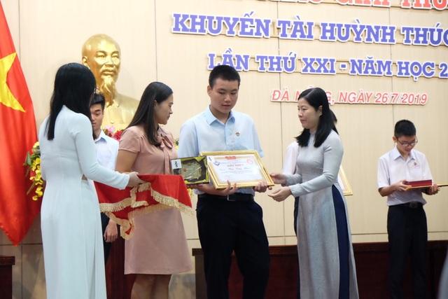 Hội Khuyến học Đà Nẵng trao giải thưởng Huỳnh Thúc Kháng