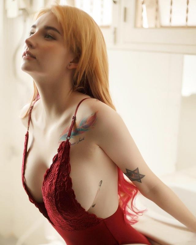 Hot girl xăm trổ Thái Lan cơ thể nhuốm đầy mực vẫn đẹp như thiên thần - 1