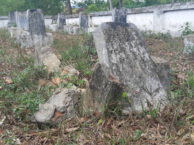 Gần 100 ngôi mộ liệt sĩ bị sụt lún, nứt nẻ: Chạnh lòng niềm tri ân! - 6