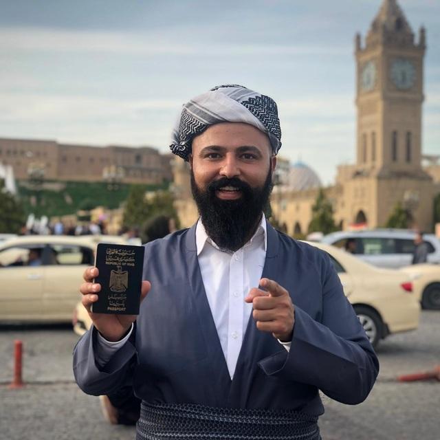 """Du khách có bộ râu khủng"""", đi khắp thế giới bằng tấm hộ chiếu ít quyền lực nhất - 1"""