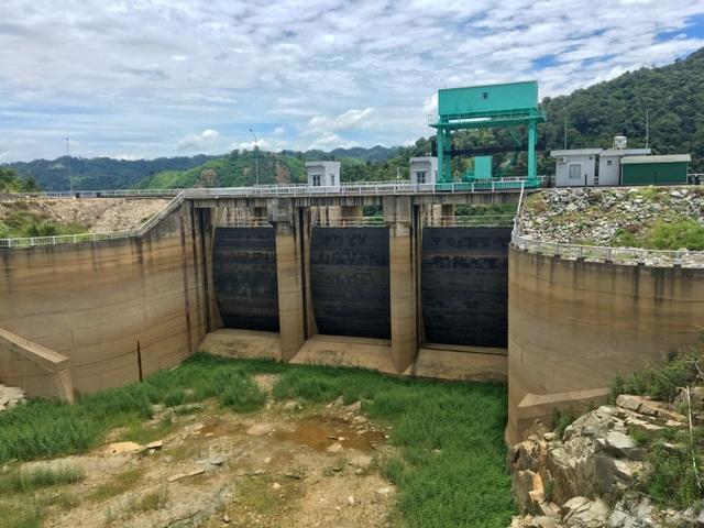 Nhiều hồ thủy điện ở miền Trung đang trong tình trạng xấp xỉ mức nước chết - 1