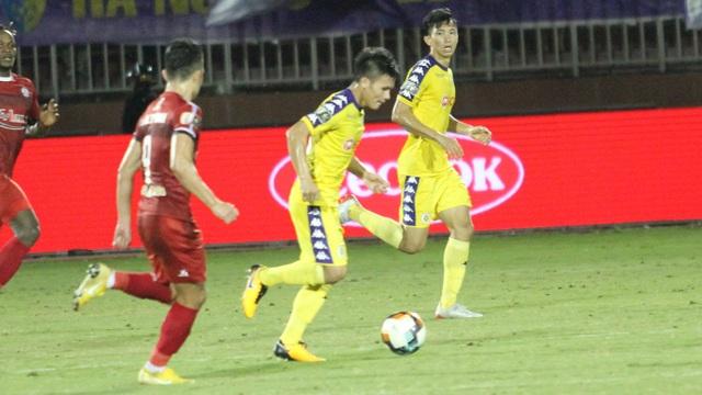 Quang Hải ghi bàn, CLB Hà Nội hòa TPHCM trong trận cầu có 2 thẻ đỏ - 1