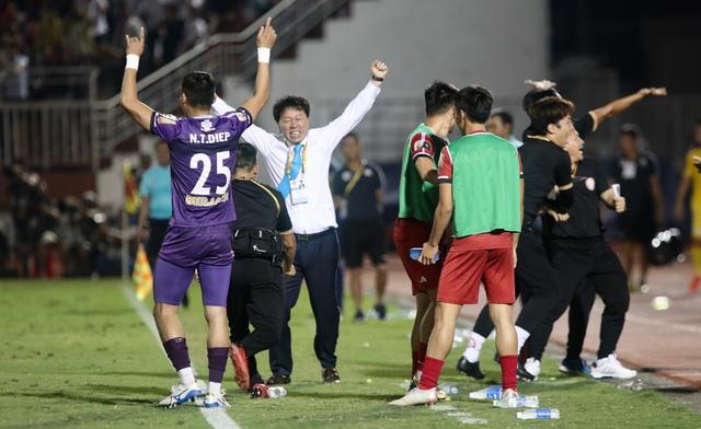 Quang Hải ghi bàn, CLB Hà Nội hòa TPHCM trong trận cầu có 2 thẻ đỏ - 8