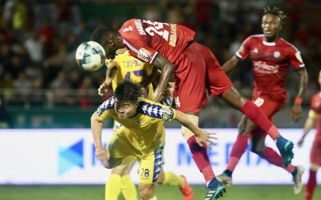 Quang Hải ghi bàn, CLB Hà Nội hòa TPHCM trong trận cầu có 2 thẻ đỏ - 7