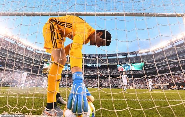 Real Madrid 3-7 Atletico: Nỗi thất vọng của HLV Zidane - 8