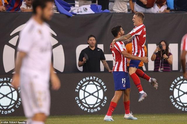 Real Madrid 3-7 Atletico: Nỗi thất vọng của HLV Zidane - 11