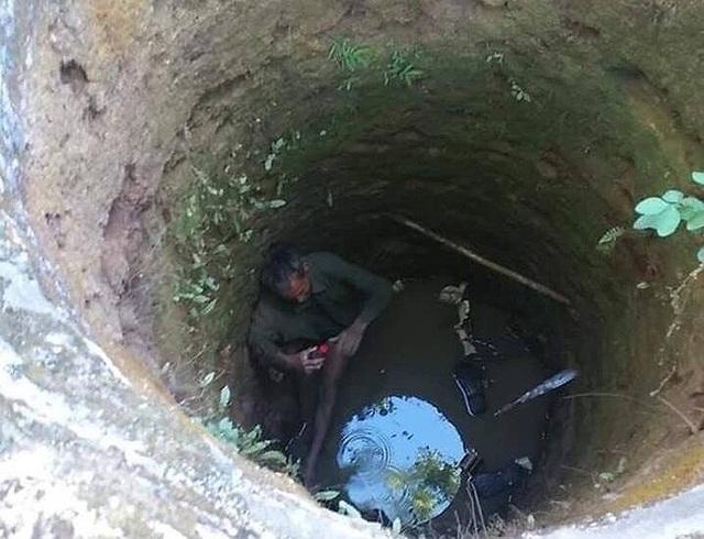 Người đàn ông được ba phụ nữ cứu sống sau 5 giờ đồng hồ rơi xuống giếng hoang - 1