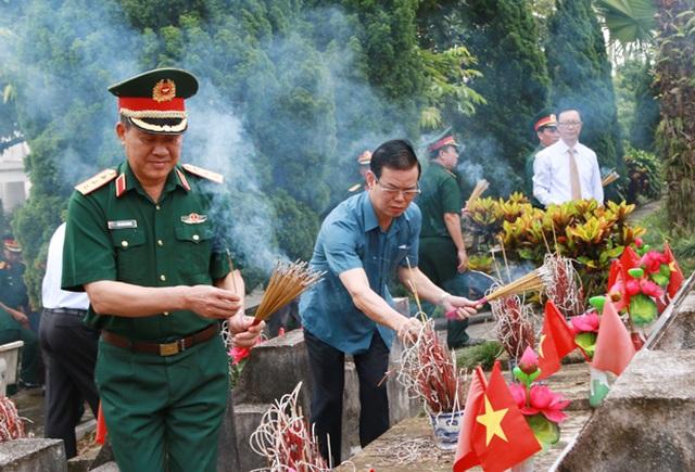 Lãnh đạo bộ, ngành Trung ương và cựu chiến binh viếng nghĩa trang Vị Xuyên - Ảnh minh hoạ 2