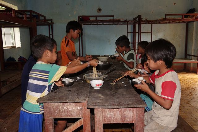 Quảng Ngãi: Cần 115 tỷ đồng đầu tư cơ sở vật chất cho trường học vùng cao - 1