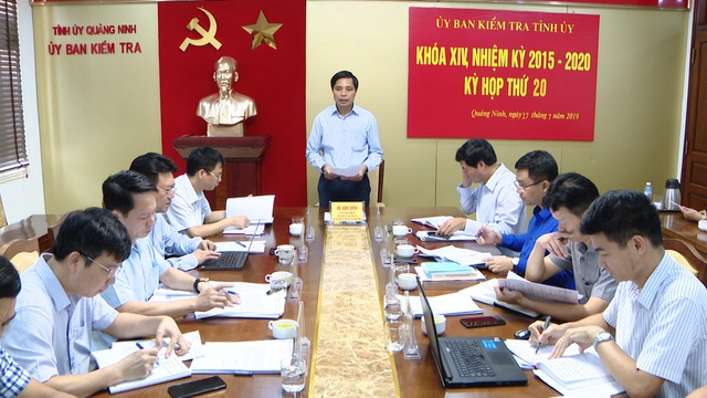Xem xét xử lý kỷ luật Phó Chủ tịch huyện Vân Đồn - 1