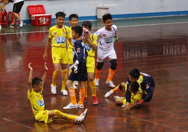 Xác định các cặp đấu tứ kết giải bóng đá Nhi đồng toàn quốc - 2