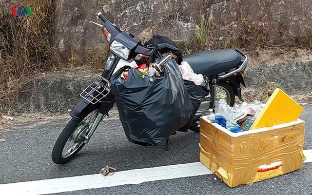 Người đàn ông 8 năm lặn biển nhặt rác ở Sơn Trà - 2