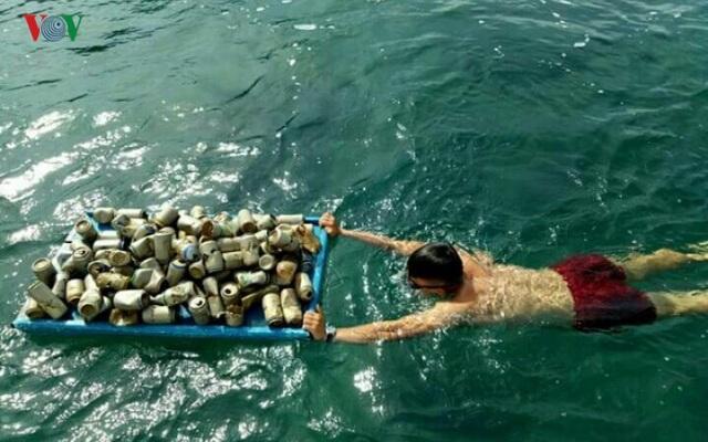 Người đàn ông 8 năm lặn biển nhặt rác ở Sơn Trà - 5