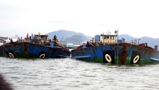 Gần 300 cảnh sát vây bắt tàu cát tặc trên sông - 3