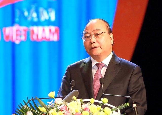 """Thủ tướng Nguyễn Xuân Phúc: """"Công đoàn ở tuyến đầu trong công nghiệp hoá, hiện đại hoá"""" - 1"""