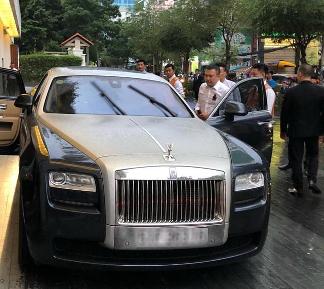 Choáng với dàn siêu xe đến dự đám cưới Cường Đôla và Đàm Thu Trang - 2