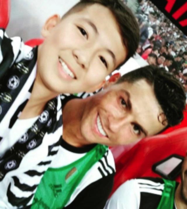Cổ động viên 14 tuổi bị cảnh sát tạm giữ vì tiếp cận C.Ronaldo