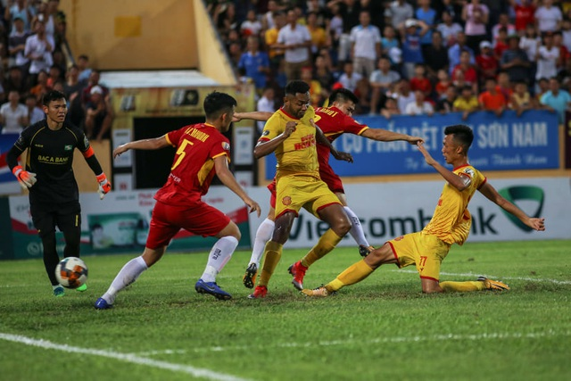 Nam Định khiến SL Nghệ An phải ôm hận ở Thiên Trường - 2