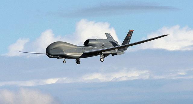 Ấn Độ có thể xét lại kế hoạch mua 6 tỷ USD vũ khí của Mỹ  - 1