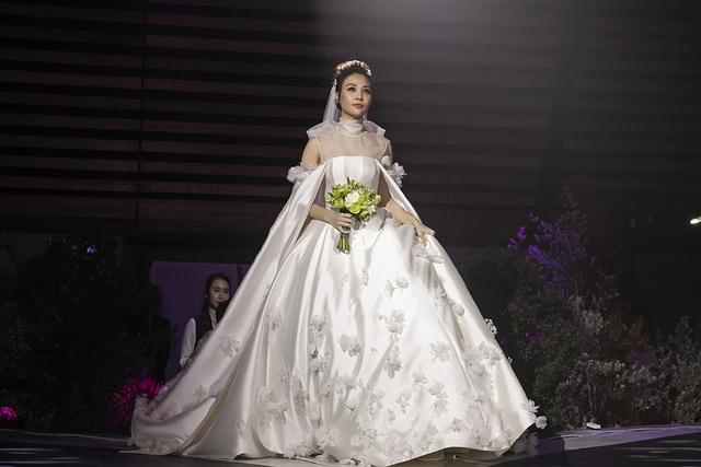 Top 3 đám cưới hào nhoáng nhất showbiz Việt năm 2019 - 5