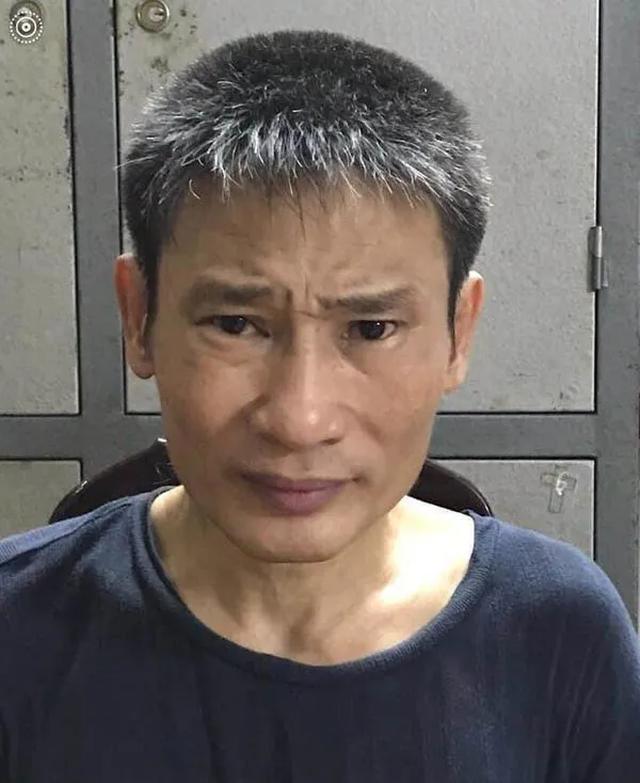 Hà Nội: Đối tượng cầm gạch đập trúng đầu CSGT khai gì? - 1
